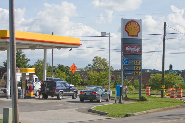 Knoxville Gas Shortage $4.49/gallon